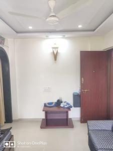 Gallery Cover Image of 650 Sq.ft 1 BHK Apartment for rent in Jagdish Apartments, Andheri East for 33000