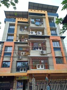 Gallery Cover Image of 1200 Sq.ft 3 BHK Apartment for buy in Haltu for 5500000