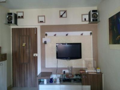 Gallery Cover Image of 850 Sq.ft 2 BHK Apartment for rent in Borivali East for 35000