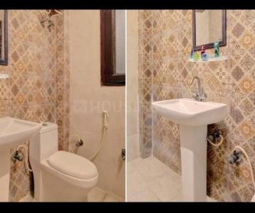 Bathroom Image of Luxury Stay Homs in Sector 18