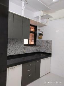 Gallery Cover Image of 2000 Sq.ft 3 BHK Apartment for rent in Airoli for 39000