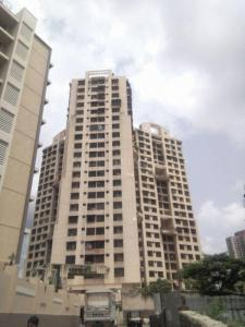 Gallery Cover Image of 1050 Sq.ft 2 BHK Apartment for buy in Ashish Swapnalok Towers , Malad East for 14800000