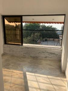 Gallery Cover Image of 775 Sq.ft 2 BHK Apartment for rent in Blue Heaven, Bandra West for 80000