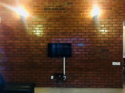 थोरैपक्कम में ज़ोलो कूपर में लिविंग रूम की तस्वीर