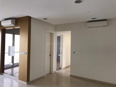 Gallery Cover Image of 1250 Sq.ft 2 BHK Apartment for rent in Lodha Fiorenza, Goregaon East for 60000