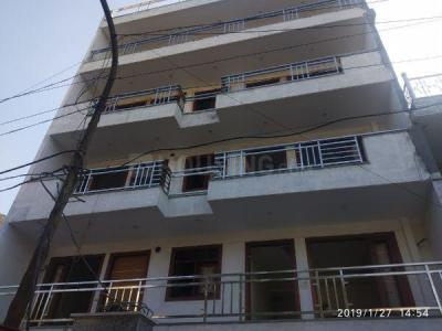 Gallery Cover Image of 2200 Sq.ft 3 BHK Independent Floor for buy in Sector 67 for 11975000