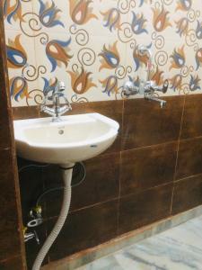 Bathroom Image of PG 3807133 Karol Bagh in Karol Bagh