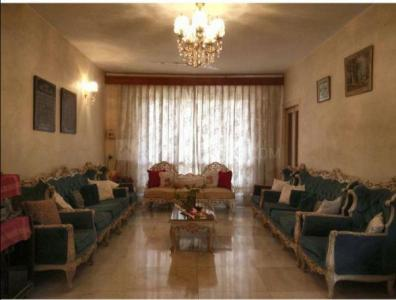 Gallery Cover Image of 2200 Sq.ft 3 BHK Apartment for buy in Juhu for 130000000
