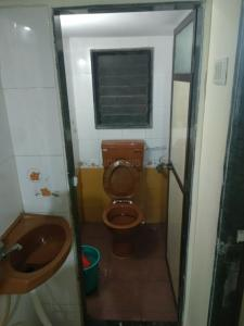 Bathroom Image of Gurdeep Property in Santacruz West