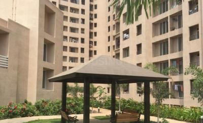 Gallery Cover Image of 665 Sq.ft 1 BHK Apartment for rent in Kasarvadavali, Thane West for 15000