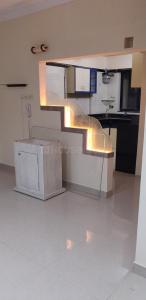 Gallery Cover Image of 1150 Sq.ft 2 BHK Apartment for rent in Malad West for 50000