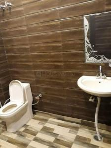 Common Bathroom Image of Hi-fi PG House in Moti Nagar