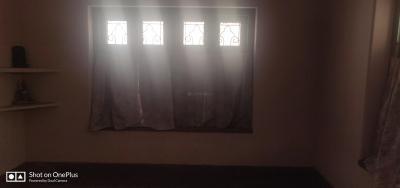 Gallery Cover Image of 1000 Sq.ft 2 BHK Independent Floor for rent in Dhakuria for 12000