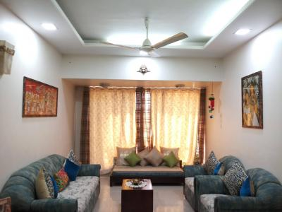 Gallery Cover Image of 1010 Sq.ft 2 BHK Apartment for rent in Malad West for 39000