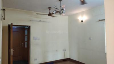 Gallery Cover Image of 1750 Sq.ft 3 BHK Apartment for rent in Velachery for 32500