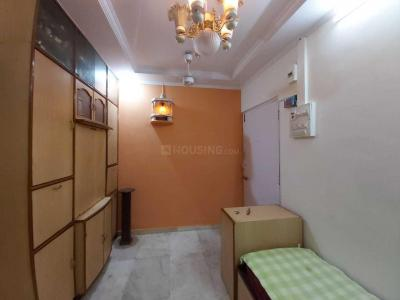 Gallery Cover Image of 420 Sq.ft 1 BHK Apartment for rent in Prabhadevi for 35000