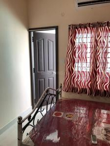 Gallery Cover Image of 800 Sq.ft 2 BHK Independent Floor for rent in Sonarpur for 8000