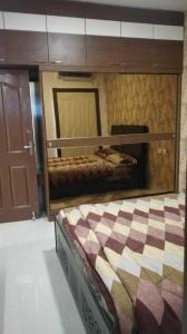 Gallery Cover Image of 1055 Sq.ft 2 BHK Apartment for buy in Ambattur for 5100000