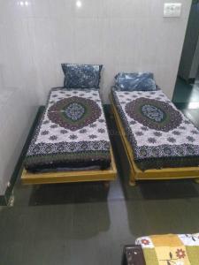 Bedroom Image of Sunflower PG in Bodakdev