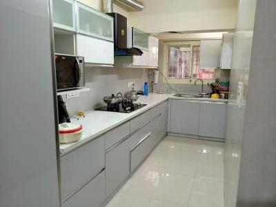 Gallery Cover Image of 2200 Sq.ft 3 BHK Apartment for rent in Sector 6 Dwarka for 50000