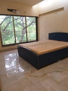 Gallery Cover Image of 1100 Sq.ft 2 BHK Apartment for rent in Juhu for 90000