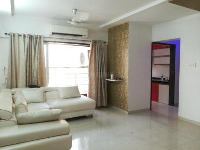 Gallery Cover Image of 1154 Sq.ft 2 BHK Apartment for rent in Seawoods for 40000