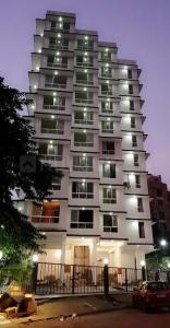 Gallery Cover Image of 900 Sq.ft 2 BHK Apartment for buy in Andheri East for 16000000
