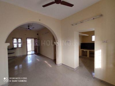 Gallery Cover Image of 1300 Sq.ft 3 BHK Apartment for rent in Sholinganallur for 18000