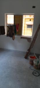 Gallery Cover Image of 900 Sq.ft 2 BHK Apartment for buy in Sota Building , Beliaghata for 4500000