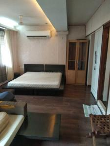 Gallery Cover Image of 780 Sq.ft 2 BHK Apartment for rent in Worli for 60000