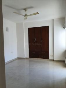 Gallery Cover Image of 1040 Sq.ft 2 BHK Apartment for rent in Noida Extension for 11000