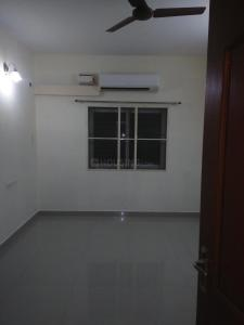 Gallery Cover Image of 1100 Sq.ft 2 BHK Apartment for rent in Korattur for 20000