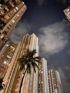 Gallery Cover Image of 830 Sq.ft 2 BHK Apartment for rent in Lodha Amara Tower 26 27 28 30 34 35, Thane West for 22000