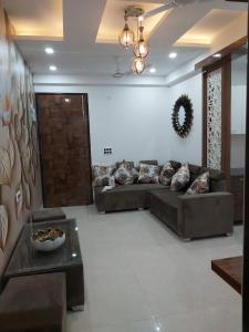 Gallery Cover Image of 940 Sq.ft 2 BHK Independent Floor for buy in Ambesten Twin Corsage, Noida Extension for 2300000