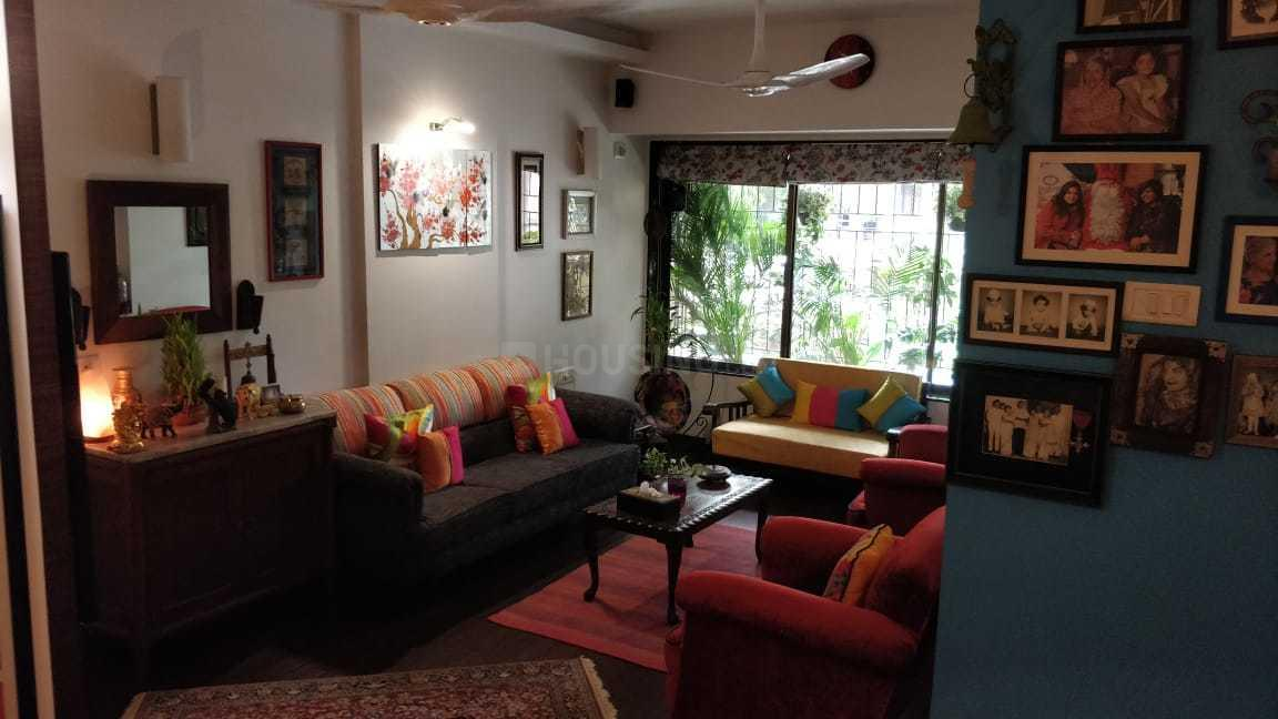 Living Room Image of 1000 Sq.ft 2 BHK Apartment for rent in Andheri West for 65000