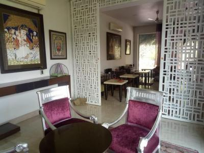 Gallery Cover Image of 7000 Sq.ft 9 BHK Villa for rent in Vasant Kunj for 1500000