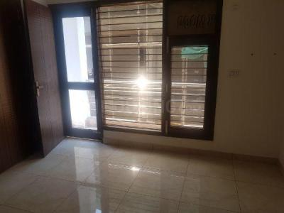 Gallery Cover Image of 1600 Sq.ft 2 BHK Independent Floor for rent in Sector 10A for 22000