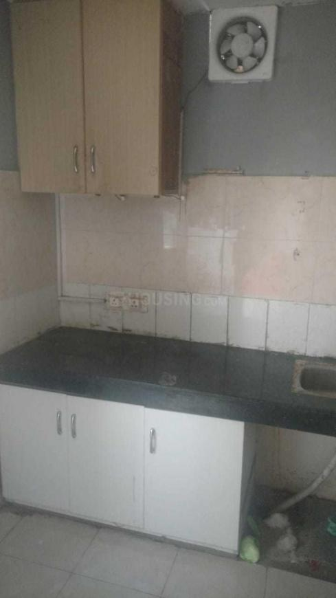 Kitchen Image of 300 Sq.ft 1 BHK Apartment for rent in Sector 37C for 8000