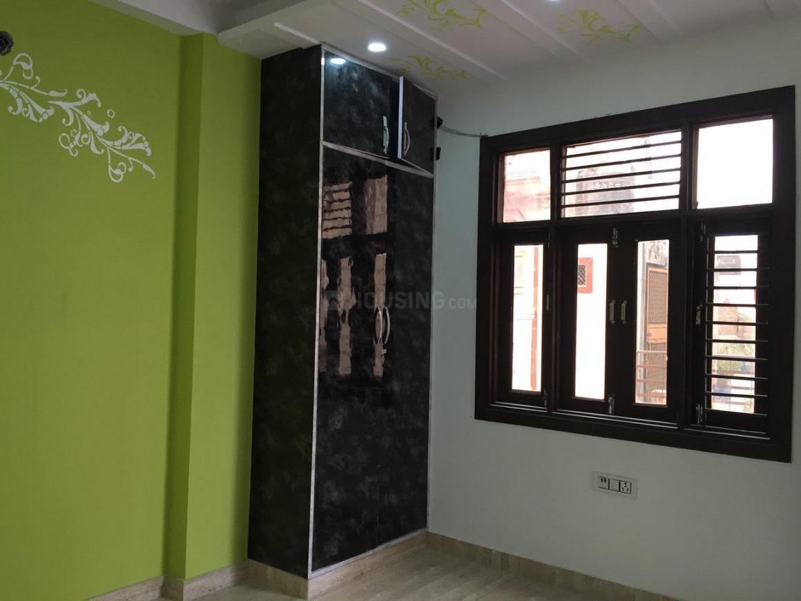 Bedroom Image of 800 Sq.ft 3 BHK Apartment for buy in Uttam Nagar for 3600000