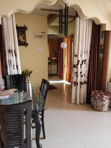 Gallery Cover Image of 1200 Sq.ft 2 BHK Apartment for rent in Kharghar for 23700