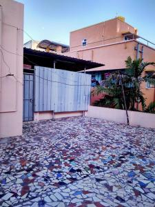 Gallery Cover Image of 500 Sq.ft 1 BHK Apartment for rent in Kodambakkam for 14500