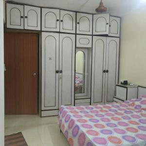 Gallery Cover Image of 1700 Sq.ft 3 BHK Apartment for rent in Malad East for 80000