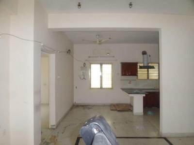 Gallery Cover Image of 1200 Sq.ft 3 BHK Apartment for rent in Velachery for 18000