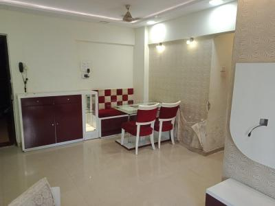 Gallery Cover Image of 990 Sq.ft 2 BHK Apartment for rent in Kandivali East for 32000