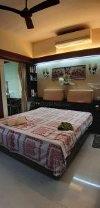 Gallery Cover Image of 650 Sq.ft 1 BHK Apartment for buy in Prabhadevi for 26000000
