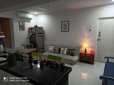 Gallery Cover Image of 650 Sq.ft 1 BHK Apartment for rent in Santacruz Arun Apartment, Santacruz West for 60000