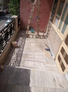Gallery Cover Image of 600 Sq.ft 1 RK Independent Floor for rent in Sector 19 for 7000