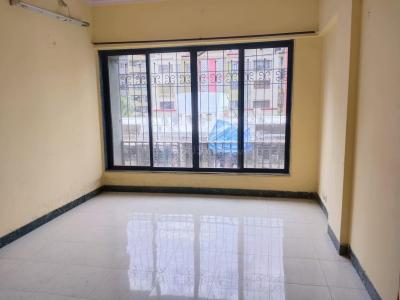 Gallery Cover Image of 615 Sq.ft 1 BHK Apartment for rent in Goregaon West for 24000