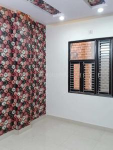 Gallery Cover Image of 550 Sq.ft 2 BHK Apartment for rent in Dwarka Mor for 12000