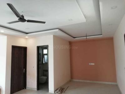Gallery Cover Image of 2800 Sq.ft 3 BHK Independent Floor for rent in Phi II Greater Noida for 26000